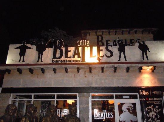 Beatles Bar: Front of Bar