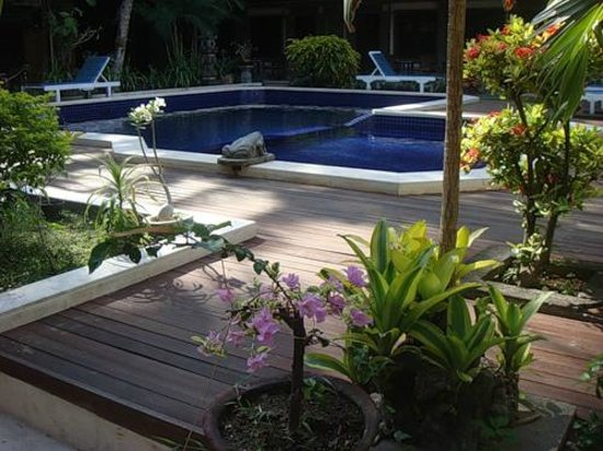 Hotel Puri Tanah Lot : Бассейн