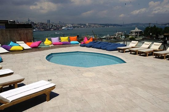 Orka Royal Hotel: Outdoor swimmingpool