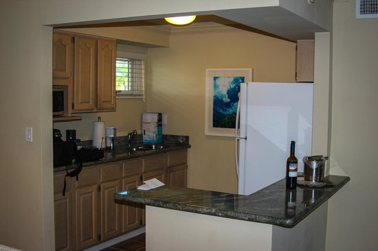 Edgewater Beach Hotel: Our kitchenette