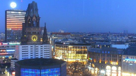 Waldorf Astoria Berlin: Ausblick am Abend