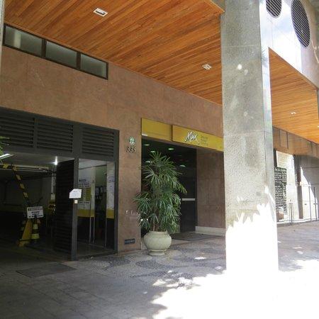 Max Savassi Apart Service: Entrada externa