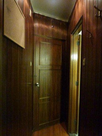 Residencial Girassol: Entrada do quarto