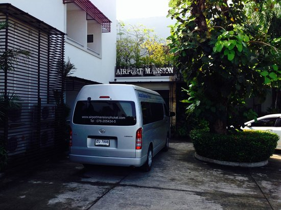 Airport Mansion Phuket: Hotel entrance