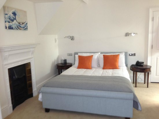 Florence House Hotel: bed