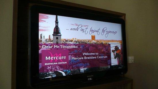 Mercure Bratislava Centrum: Приветствие на телевизоре