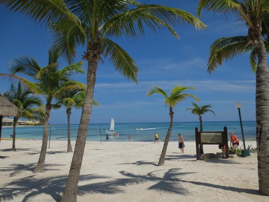 Barcelo Maya Caribe: Another great day at the beach