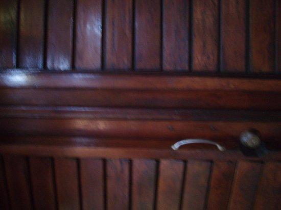 Coco's Cabanas: Door to room