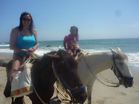 Hotel Casa de Playa: Paseos a caballo en Mancora
