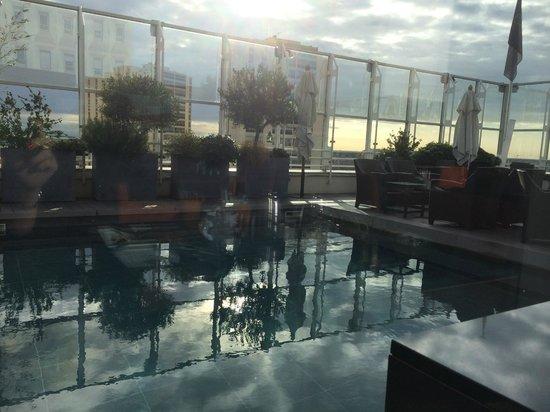 Pullman Montpellier Centre: Vue depuis le restaurant lors du petit déjeuner