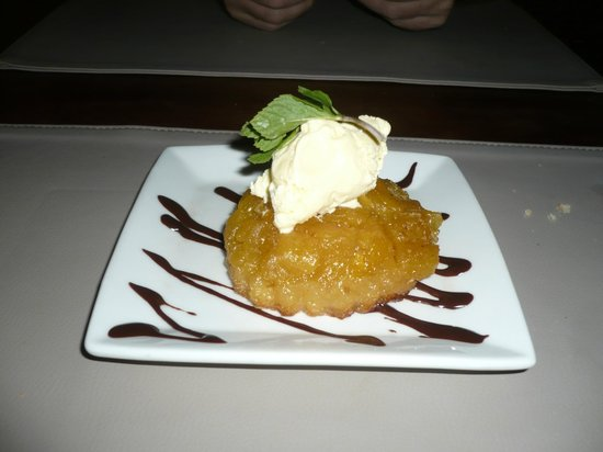 Azul Restaurant: Pastry with pinapple and ginger