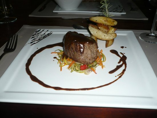 Azul Restaurant: Steak with pepper sauce
