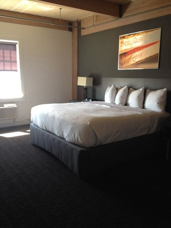 Harbor House Hotel & Marina at Pier 21: King room 308