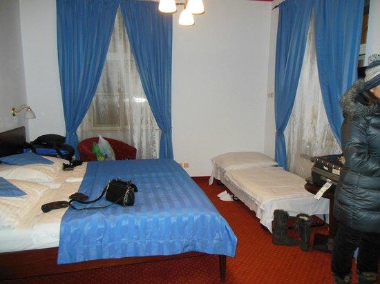 Hotel Lippert: quarto
