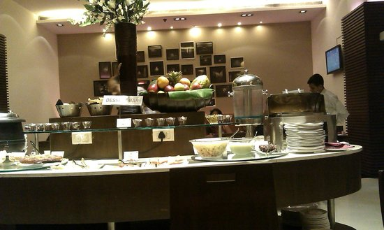 Royal Orchid Central Pune: Breakfast spread