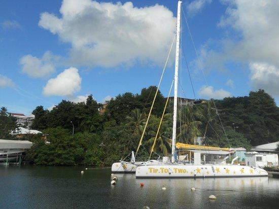 Cool Caraïbes : Le TIP TOP TWO à la Marina du Goaiser