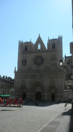 Cathedral Saint Jean Baptiste: базилика