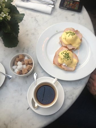 The Hoxton, Shoreditch: breakfast downstairs