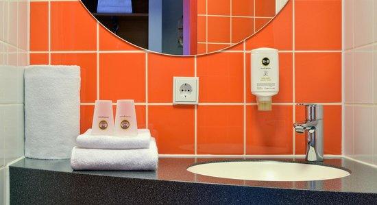 B&B Hotel Frankfurt-Niederrad - Badezimmer