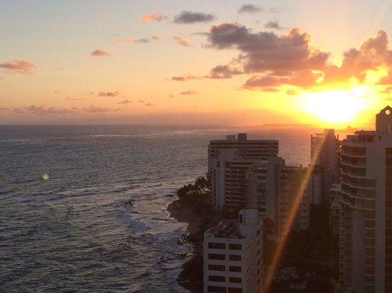 San Juan Marriott Resort & Stellaris Casino: View from room 1916 at sunrise. Ask for ocean front (more expensive ) instead of ocean view !!