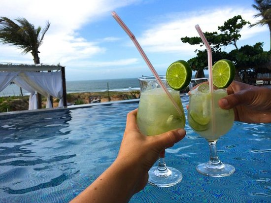 The Chili Beach Boutique Hotel & Resort: lounging in the pool, drinking caipirinhas in the water