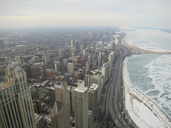 Centro / Observatorio  John Hancock: Lake Michigan during winter