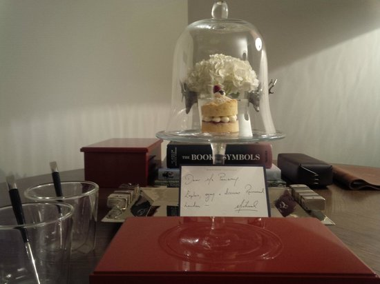 Rosewood London: Elegant & delicious welcome amenity