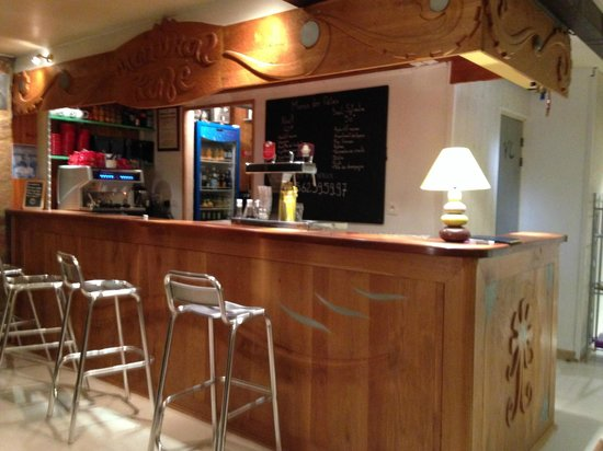 Natural Kafe: Le bar