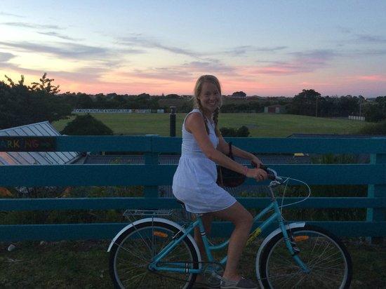Global Village Backpackers: Free bicycles at hostel! Hostel is behind me