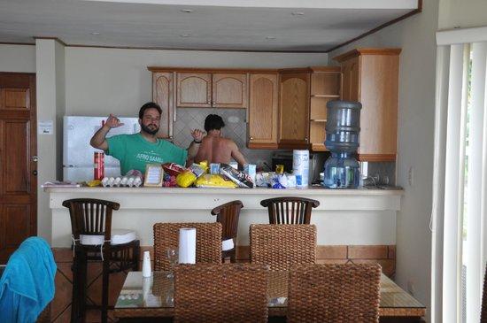 Hacienda Iguana: Fazendo o Rango para sustentar o Surf