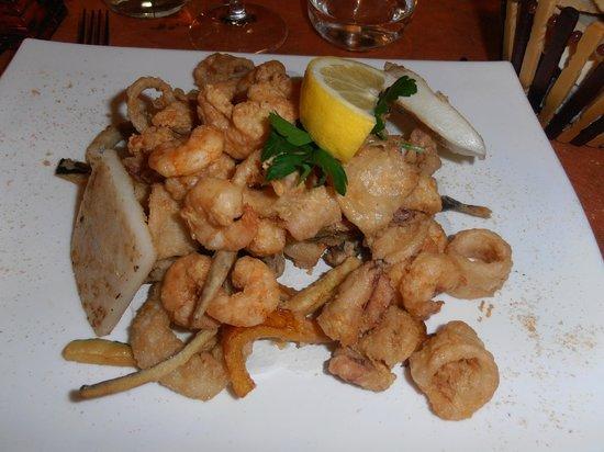 Bacaro Osteria Barababao: Жареные морепродукты с овощами