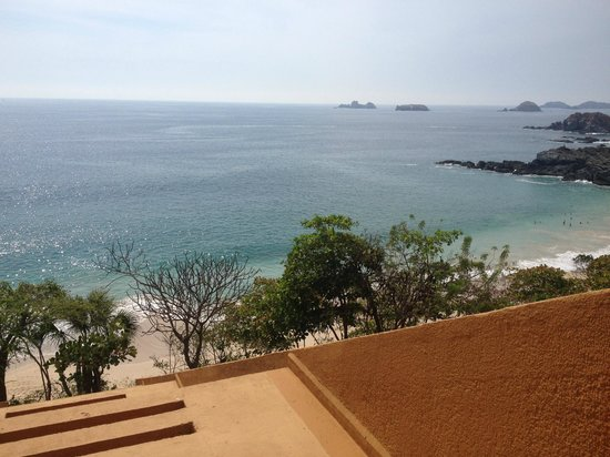 Las Brisas Ixtapa : Evening view from room terrace