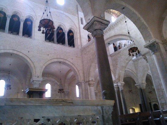 bari interno basilica s nicola picture of basilica san