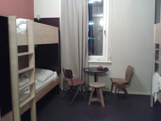Cat's Pajamas: Female 8 bed dorm