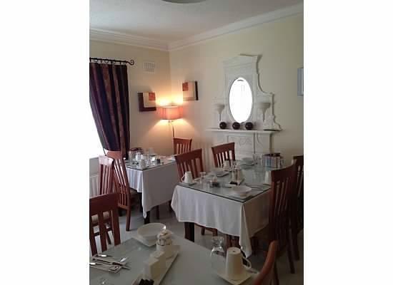 Almara House: Breakfast room