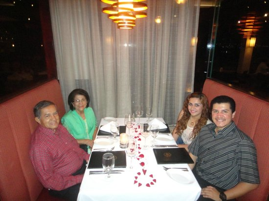 Ruth's Chris Steak House: En Familia