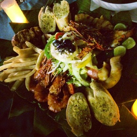 Spice Beach Club : The grilled seafood platter