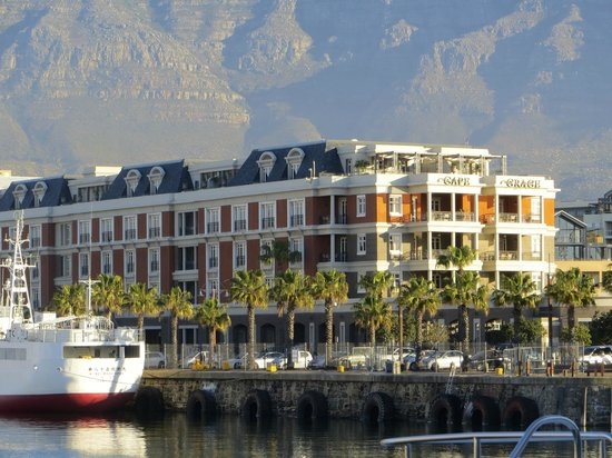 CAPE GRACE HOTEL AT THE HARBOR