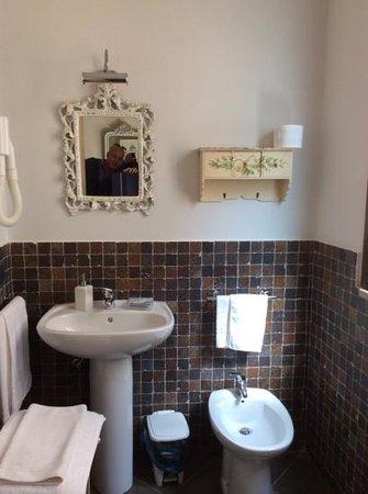 B&B Portatenea: bathroom