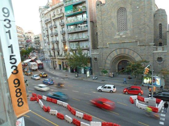 Hotel Via Augusta: вид из окна номера