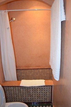 Dar Fes Medina: Bathroom - Shower