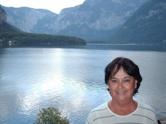 Pension Hallberg: Lago frente al hotel