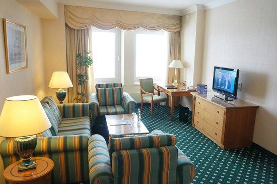 JW Marriott Bucharest Grand Hotel : Our room.