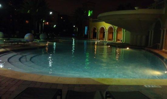 Hilton Grand Vacations at Tuscany Village: main pool at night