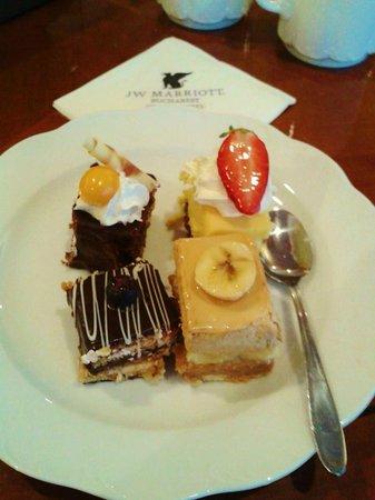 JW Marriott Bucharest Grand Hotel : Executive lounge treats.