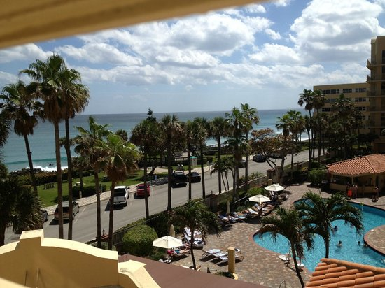 Embassy Suites by Hilton Deerfield Beach - Resort & Spa: View from Room.  Beach just across the street