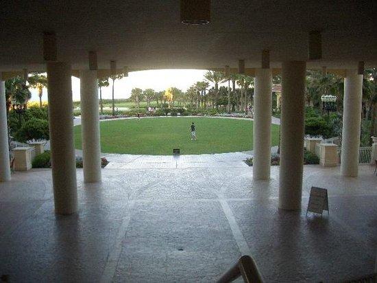 Hammock Beach Resort: Main Tower view of the lawn