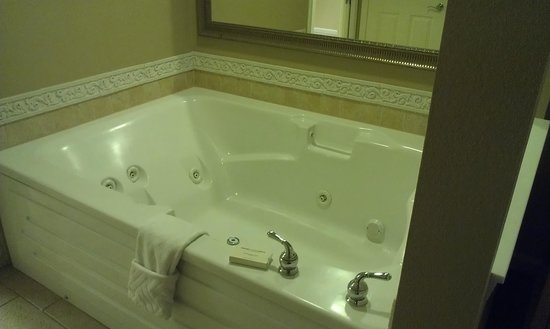 Hilton Grand Vacations at Tuscany Village: jet tub, very nice to just relax in