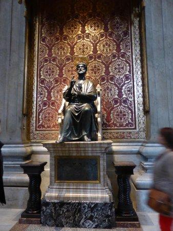 Basilique Saint-Pierre : S. Pedro