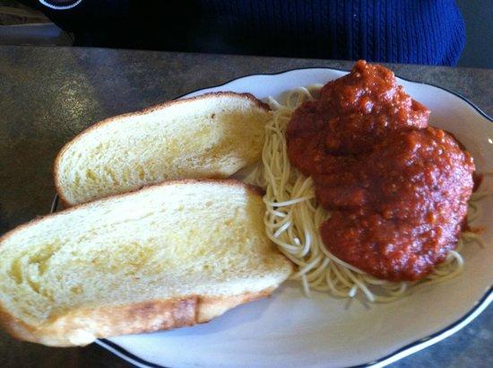 Detello's Pizza & Pasta: Spaghetti with two meatballs